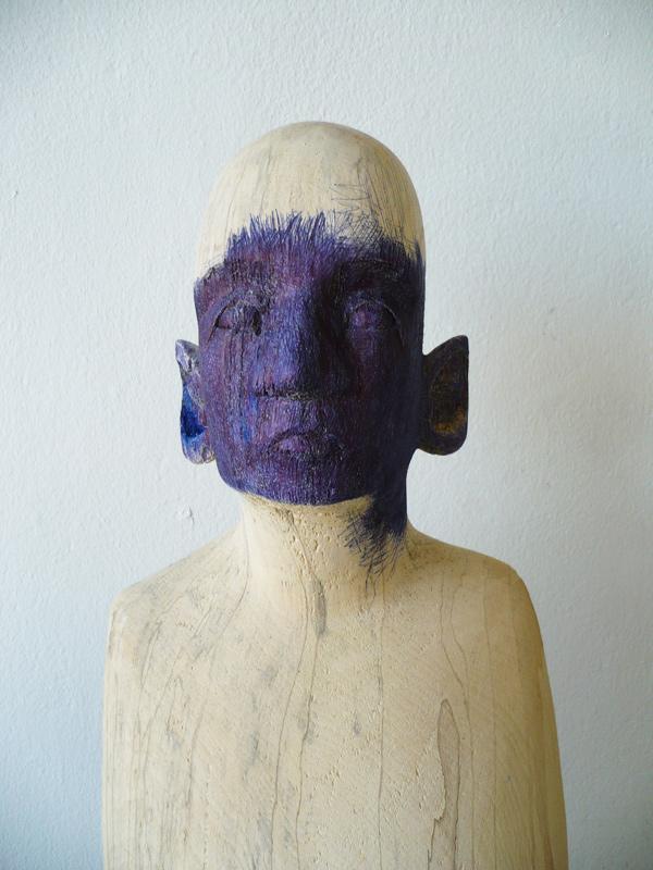 Rautenstrauch: Figur mit blauem Gesicht